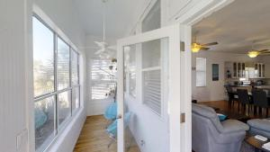 3 1St Street- Sea View Home, Dovolenkové domy  Coquina Gables - big - 14