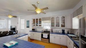 3 1St Street- Sea View Home, Dovolenkové domy  Coquina Gables - big - 16