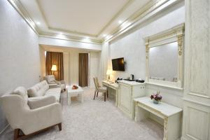 Qushbegi Plaza Hotel