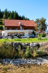 Gasthaus Traube - Apartment - Bichlbach