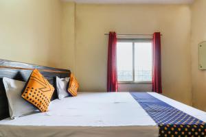 SPOT ON 37864 Royal Stone Hotel