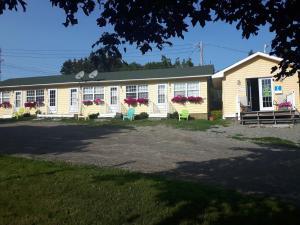 . Capeway Motel