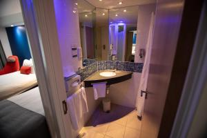 Holiday Inn Express London Stansted Airport (10 of 41)