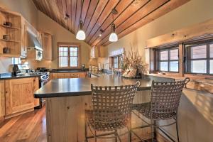NEW! Luxury Home - 26 Miles to Grand Targhee Ski!, Ferienhäuser  Tetonia - big - 13
