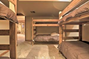 NEW! Luxury Home - 26 Miles to Grand Targhee Ski!, Ferienhäuser  Tetonia - big - 29