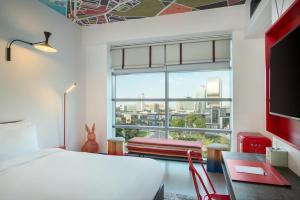 Hampton by Hilton Dubai Al Seef (2 of 45)