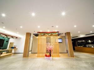 ibis Chengdu Meizhou Center