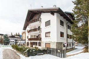 Appartamento sulla piazzetta centrale - Hotel - Sauze d'Oulx