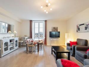 . Spacious Apartment in Bayeux near Town Center
