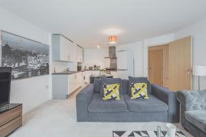 Apartment with 2 bedrooms in London, with furnished balcony and WiFi
