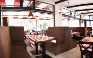 Apartamenty Mesa Grill Restaurant Cafe, Bed and Breakfasts  Dźwirzyno - big - 51