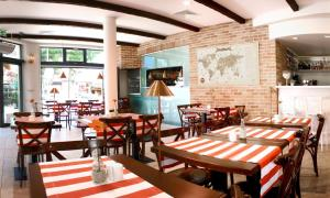 Apartamenty Mesa Grill Restaurant Cafe, Bed and Breakfasts  Dźwirzyno - big - 41