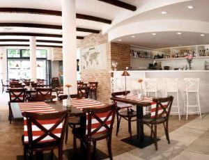 Apartamenty Mesa Grill Restaurant Cafe, Bed and Breakfasts  Dźwirzyno - big - 38