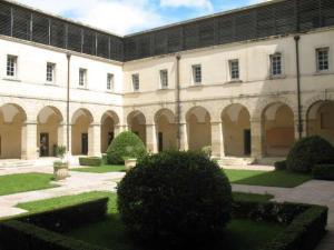 La Maison Hélène-Josephine, Bed & Breakfasts  Montpellier - big - 24