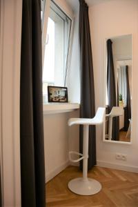 Warsaw Central Apartment