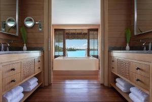 Four Seasons Resort Bora Bora (14 of 69)