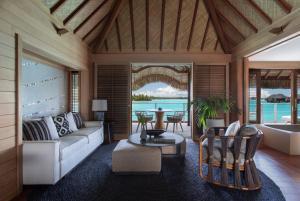 Four Seasons Resort Bora Bora (16 of 69)