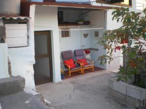 Humilde casita para descanso, Playa Santiago