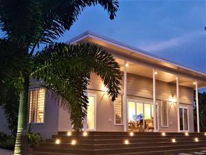 Luxury Beachside Home