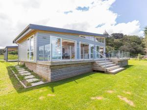 Beachfront Escape - Snells Beach Holiday Home