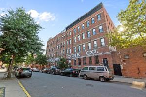 Habitat 101Brooklyn - Apartment