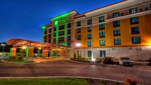 Holiday Inn & Suites Tupelo No..
