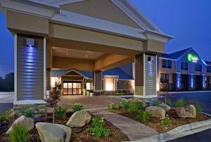__{offers.Best_flights}__ Holiday Inn Express & Suites Willmar