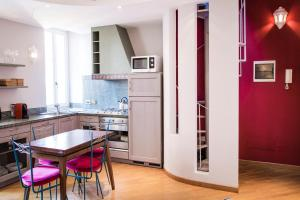 Brera Apartments in San Fermo, Apartmány  Milán - big - 8