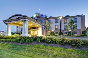 Holiday Inn Express and Suites Guelph, an IHG hotel