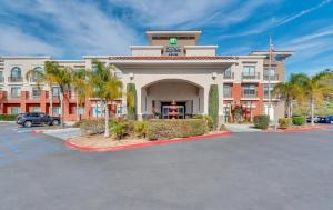 Holiday Inn Express Hotel & Suites Lake Elsinore, an IHG Hotel