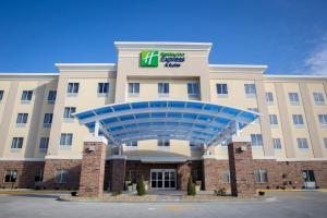 Holiday Inn Express and Suites Edwardsville, an IHG hotel