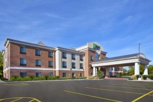 Holiday Inn Express Niles, an IHG hotel - Hotel - Niles