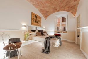 NEW! 4-BEDROOM HOUSE WITH TERRACE NEAR COLISEUM - abcRoma.com