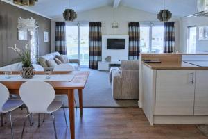 Casa Lago Luxury lodge with Exclusive lake view Haggerston castle