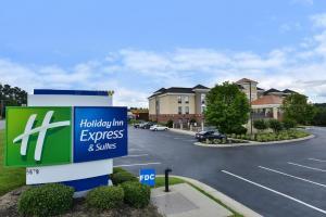 Holiday Inn Express Hotel & Suites Petersburg/Dinwiddie, an IHG Hotel