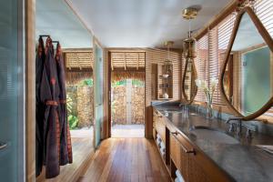 Four Seasons Resort Bora Bora (6 of 69)