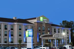 Holiday Inn Express and Suites Houston North - IAH Area, an IHG hotel