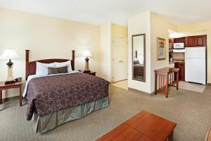 Staybridge Suites-Knoxville Oak Ridge, Отели  Ок-Ридж - big - 2