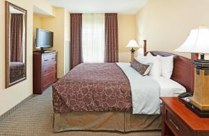 Staybridge Suites-Knoxville Oak Ridge, Отели  Ок-Ридж - big - 21