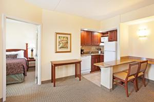 Staybridge Suites-Knoxville Oak Ridge, Отели  Ок-Ридж - big - 20
