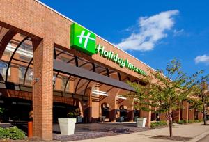 Holiday Inn & Suites Hotel Alexandria - Old Town, an IHG Hotel