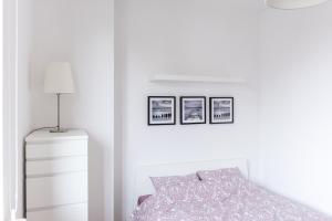 Black and White Luxury Apartment