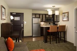 Staybridge Suites - Columbus Polaris, Hotels  Flint - big - 9