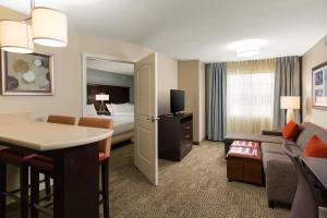 Staybridge Suites - Columbus Polaris, Hotels  Flint - big - 19