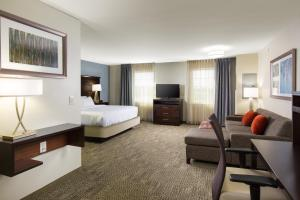 Staybridge Suites - Columbus Polaris, Hotels  Flint - big - 5