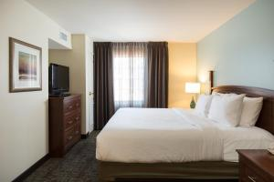 Staybridge Suites - Columbus Polaris, Hotels  Flint - big - 6