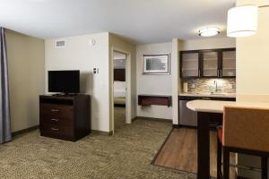 Staybridge Suites - Columbus Polaris, Hotels  Flint - big - 30