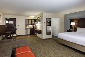 Staybridge Suites - Columbus Polaris, Hotels  Flint - big - 4