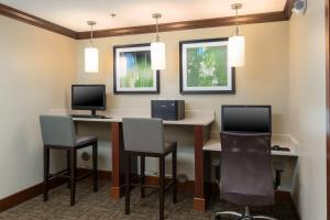 Staybridge Suites - Columbus Polaris, Hotels  Flint - big - 22