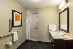Staybridge Suites - Columbus Polaris, Hotels  Flint - big - 38